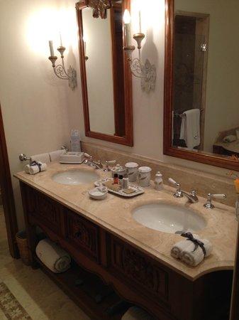 Belmond Palacio Nazarenas: Luxe Bath