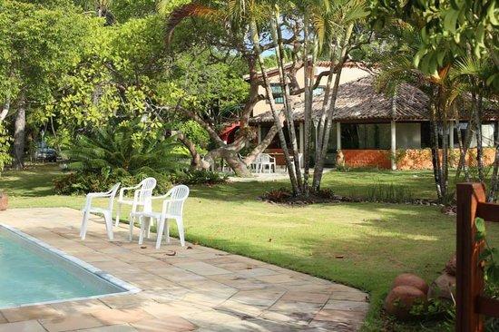 Pousada Gaili : Vista da piscina para o restaurante