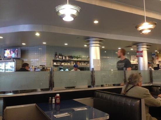 Skylight Diner: a general internal view of the place