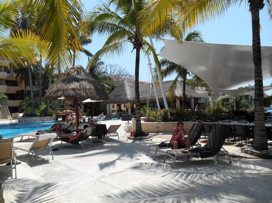 Dreams Puerto Aventuras Resort & Spa: relaxing on the adult side