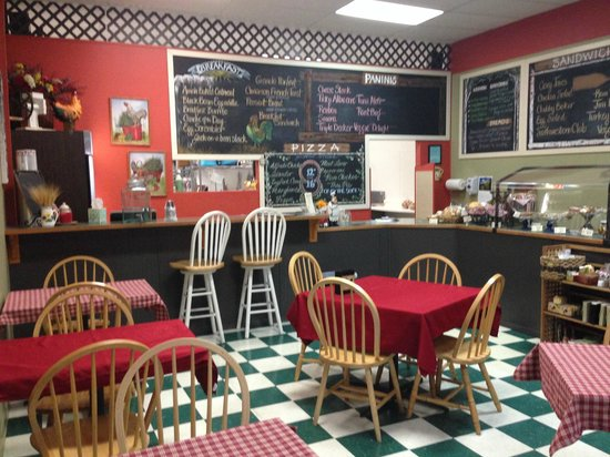 Grateful Bread Cafe & Bakery: Newly remodeled Bigfork Location