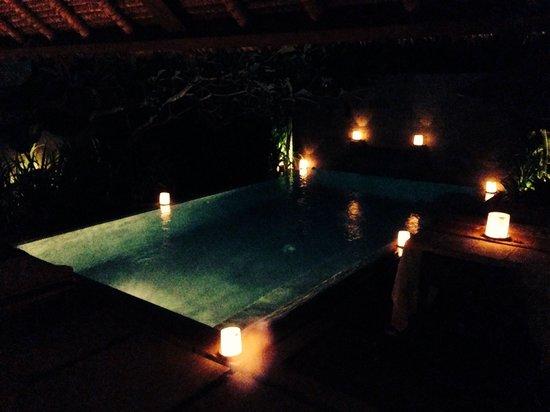 Mayaloka Villas: Swimming pool