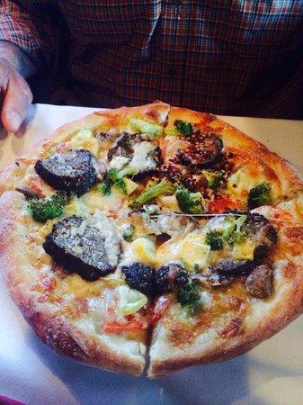Ciao Italia Casual Italian : Primavera pizza with meatballs!