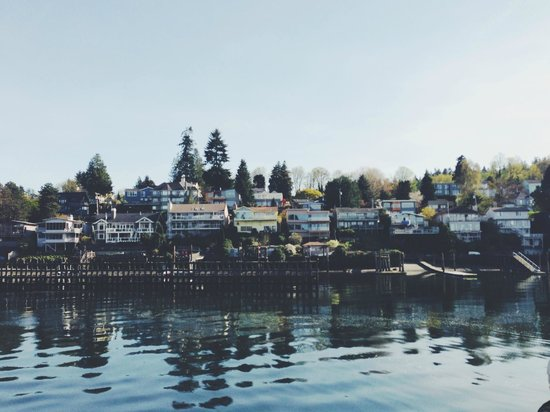 Argosy Cruises - Seattle Waterfront : along the canal