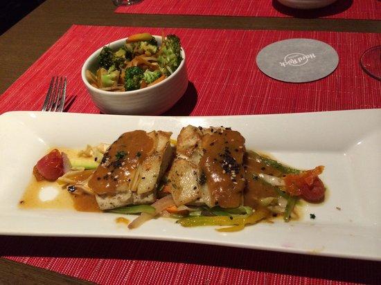 Hard Rock Hotel Vallarta: Mahi mahi at Japanese restaurant