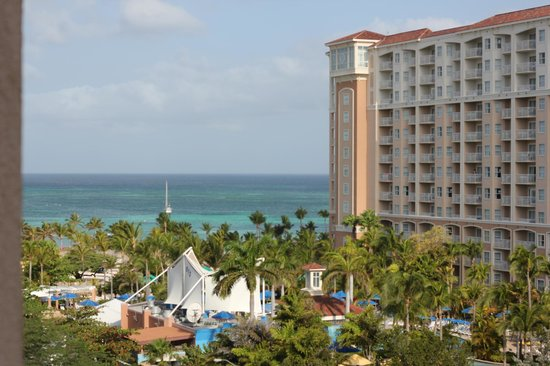 Marriott's Aruba Surf Club: View from the balcony on the 7th floor of Spyglass Tower