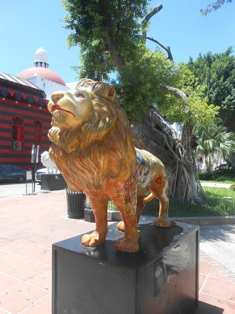 Plaza of Delights (Plaza de las Delicias): Another Leo
