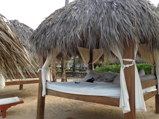 Excellence Punta Cana : BEDS ON BEACH