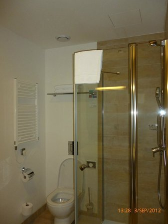 Park Inn Hotel Prague : Shower
