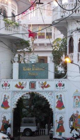 Lake Pichola Hotel : Facdae at hotel entrance.