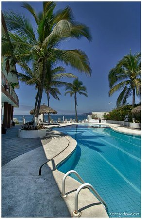 Hotel Barra de Navidad: Lovely ocean-side pool