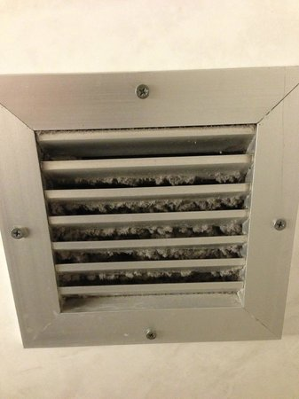 Holiday Inn Downtown Superdome: Air Vent in my bathroom