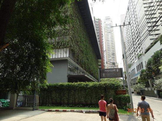 Hansar Bangkok Hotel: outside