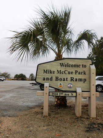 Mike McCue Park and Boat Ramp: Park Entrance