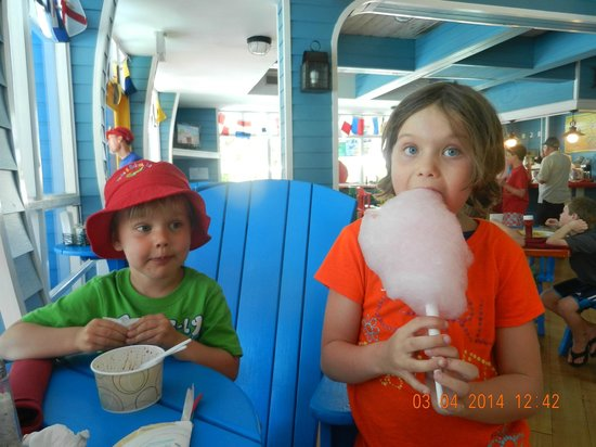 Beaches Turks and Caicos Resort Villages and Spa: Kids love Bubba Dees
