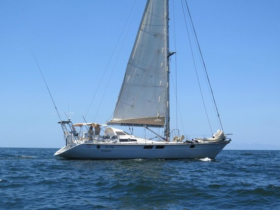Kuna Vela Sailing Tours: View of our sailboat from the dinghy