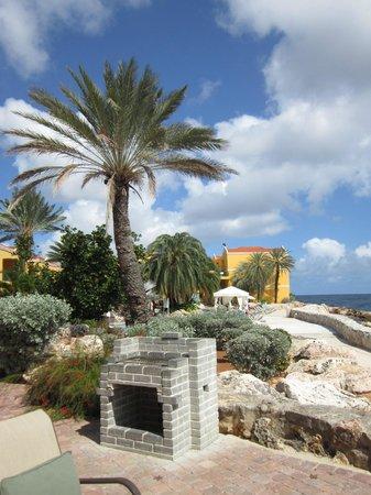 The Royal Sea Aquarium Resort: View from veranda towards pool area