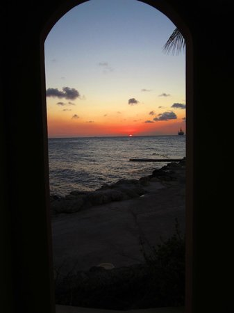 The Royal Sea Aquarium Resort: Beautiful sunsets