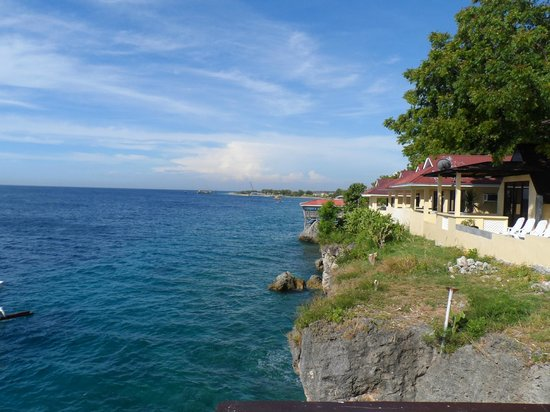 Lemlunay Resort & South Point Divers: Cliff overlooking Sarangani Bay