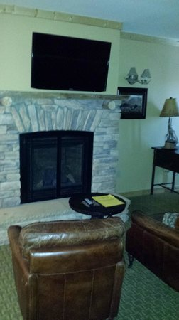 Sierra Nevada Resort & Spa: TV/Fire