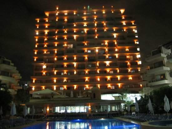 Friendly Vallarta All Inclusive Family Resort: hotel from pool