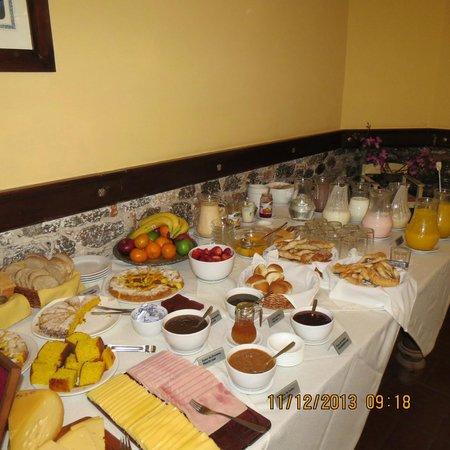 Hotel Posada del Virrey: Café da Manhã delicioso