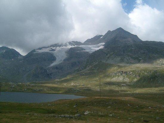 Bernina Pass: view - close to Ospizio Bernina station