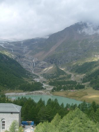 Bernina Pass: view - around Alp Glüm station