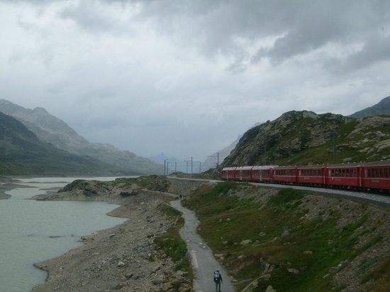 Bernina Pass: train close to Ospizio Bernina station