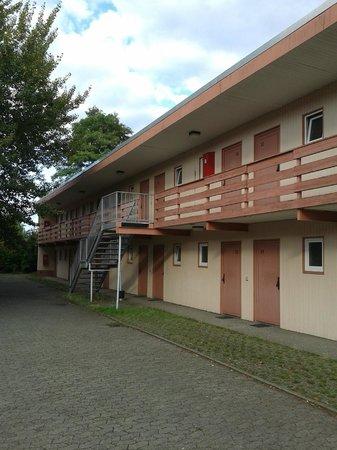 """Vahrenwalder Hotel Hannover : Predio """"economico"""""""