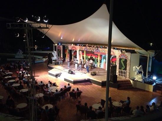 Royalton Hicacos Varadero Resort & Spa: Le Rock Night, très bon show