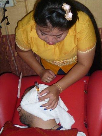 Patong Synergy Massage: Ear Spa