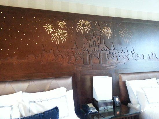 Disneyland Hotel : our room