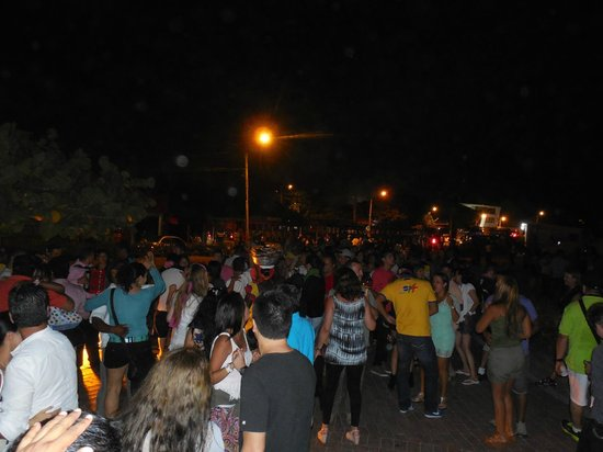 Rumba in Chiva: Castillo San Felipe con la rumba