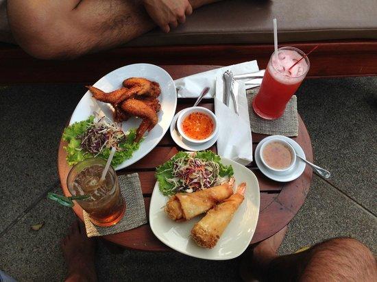Rimping Village: Poolside snacks