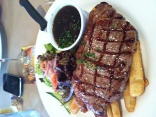 The Woombye Pub: lunch steak $13.50