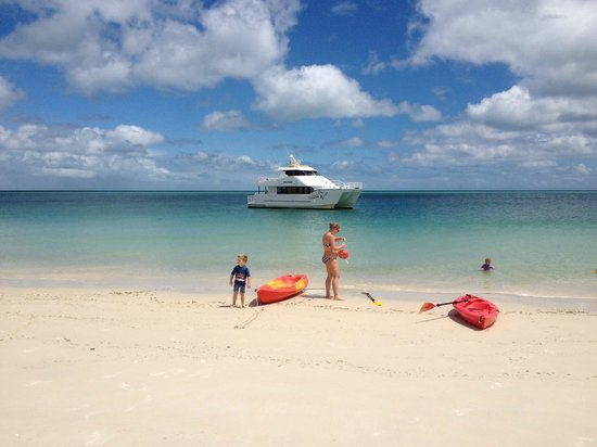 Beachside Motor Inn: Enjoy a lazy day on t he beach