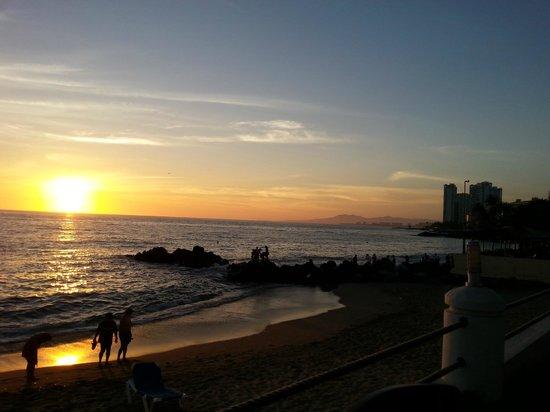 Plaza Pelicanos Club Beach Resort: Beach to the North