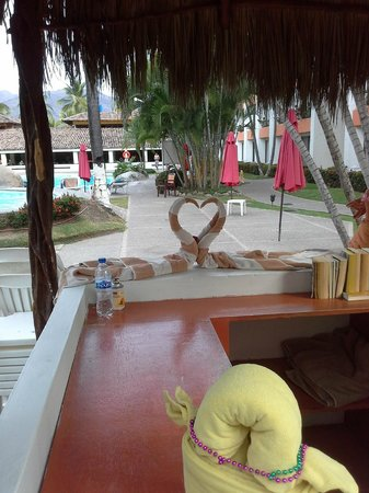 Plaza Pelicanos Club Beach Resort: Towel Service