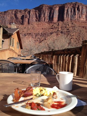 Red Cliffs Lodge: Breakfast!