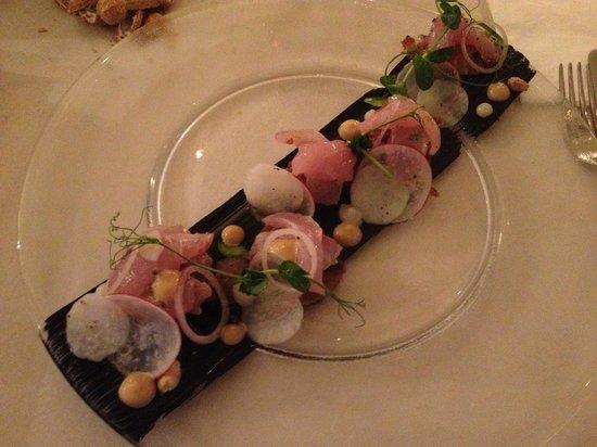 Mizlala: sashimi appetizer with aubergines