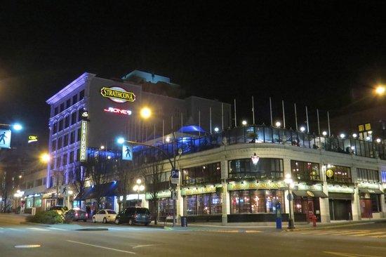The Strathcona Hotel: Strathcona Hotel & Rooftop Bar