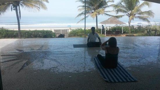 The Beach House : private yoga classes