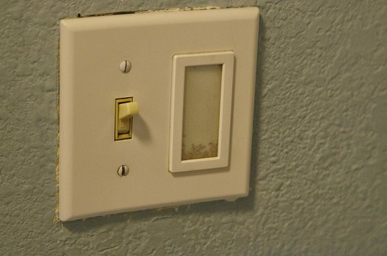 Clarion Inn: Dirty Light Switch
