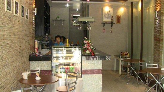 Tirak Coffee Bar & Grill