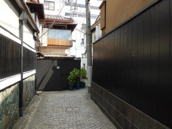 Kagurazaka: かくれんぼ横丁