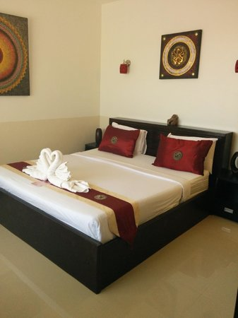Crystal Bay Beach Resort : Queen bed