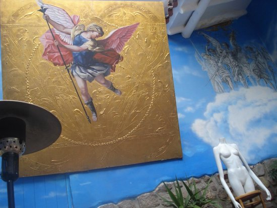 The Guest House at Fallen Angel: arte