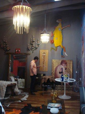 The Guest House at Fallen Angel: habitación roja