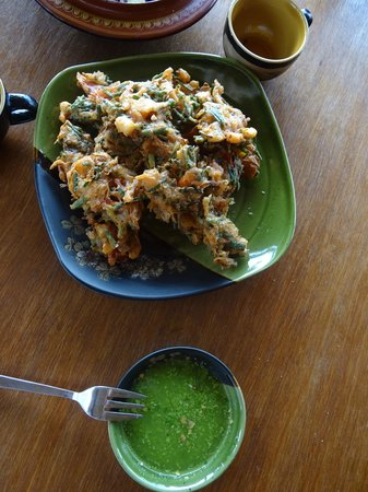 Bamboo Hut : Fresh Fried Spring Onions with Deeping Sauce